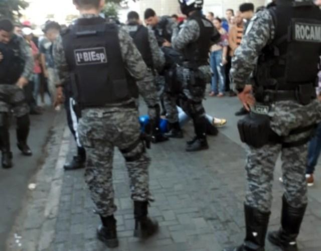 Tentativa de assalto no centro de Caruaru resulta em ladrão baleado