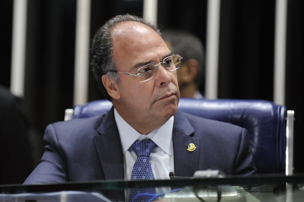 Fernando Bezerra Coelho é condenado pelo TCE-PE a devolver R$ 5,7 mi por doação de areia