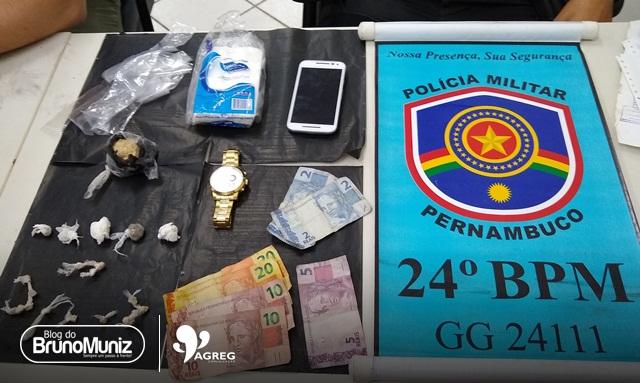 Dois jovens foram detidos com droga e dinheiro em Santa Cruz do Capibaribe