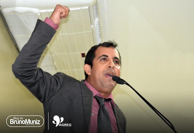 Carlinhos da Cohab fala, mas não diz nada — Por Bruno Muniz