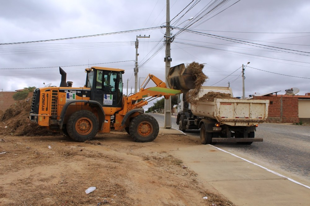 Secretaria de Desenvolvimento Urbano realiza ações na Malhada do Meio