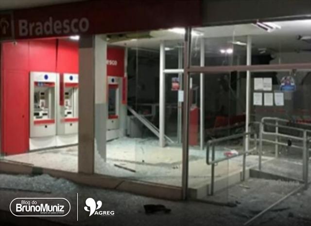 Assaltantes explodem agência bancária na cidade de Águas Belas, Agreste de Pernambuco