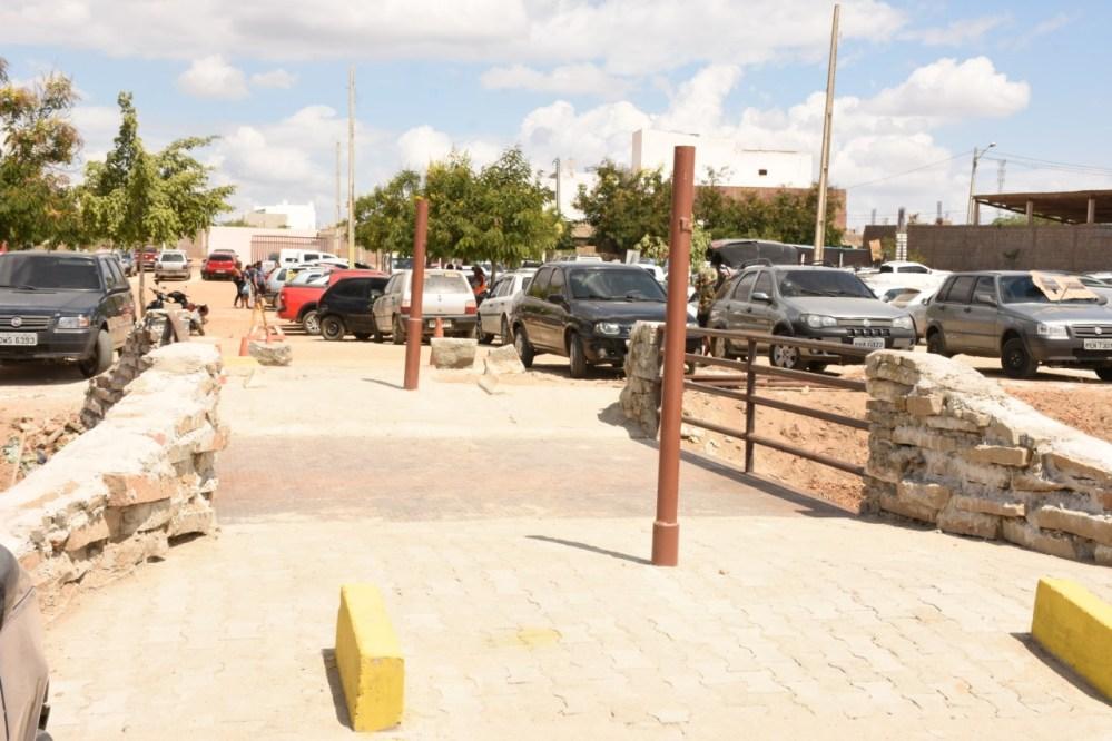 Prefeitura de Santa Cruz do Capibaribe constrói novo pontilhão de acesso do Calçadão Miguel Arraes de Alencar