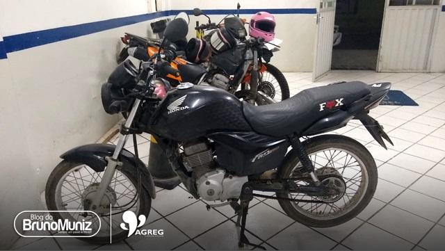 Indivíduo é detido com motocicleta roubada em Santa Cruz do Capibaribe