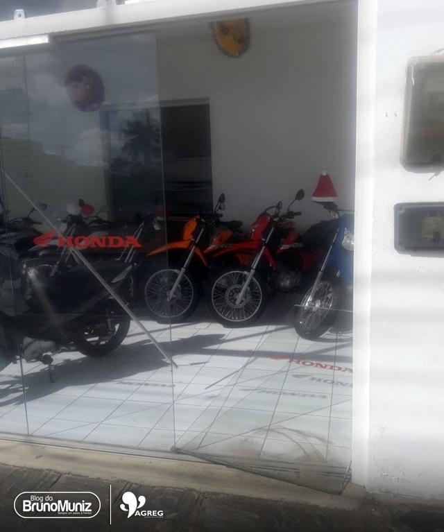Loja de motocicletas também foi alvo de ação criminosa em Santa Cruz do Capibaribe