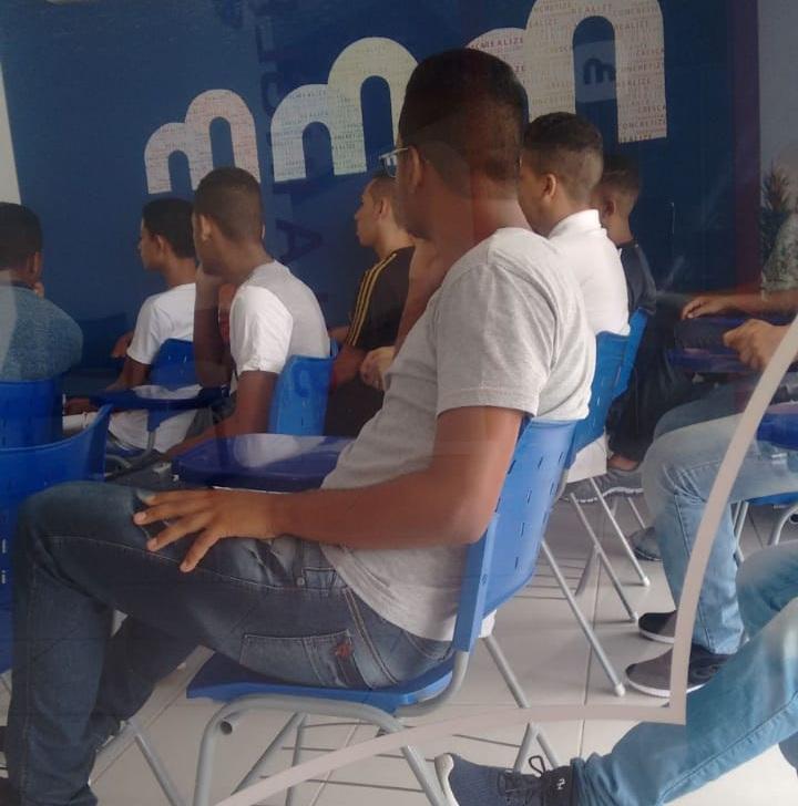 Adolescentes da Funase em Caruaru são inseridos em cursos da Microlins