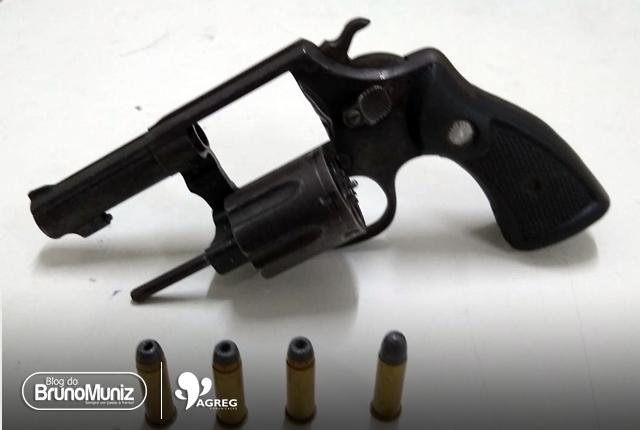 Menor é detido com arma de fogo em Santa Cruz do Capibaribe