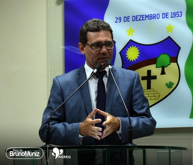 Júnior Gomes defende Governo do Estado e rebate discurso de líder situacionista
