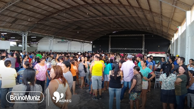Milhares de pessoas compareceram a velório coletivo em Santa Cruz do Capibaribe