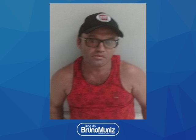 Homem é detido após praticar golpe no Moda Center Santa Cruz
