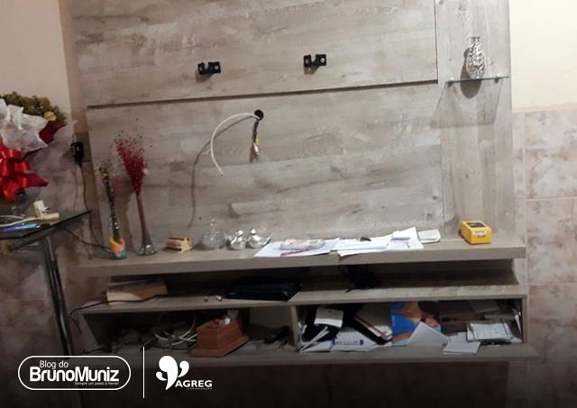 Santa Cruz do Capibaribe – Família encontra casa revirada após viagem de feriado