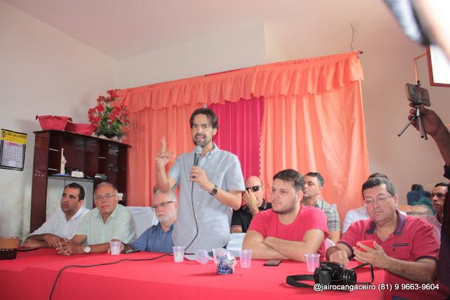 Oposição realiza entrega de sementes em distrito de Santa Cruz do Capibaribe