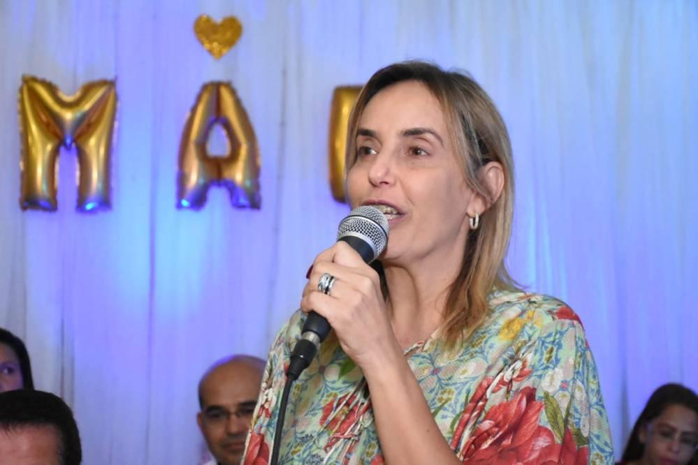Alessandra Vieira cumpre agenda alusiva ao dia das mães, em Santa Cruz do Capibaribe
