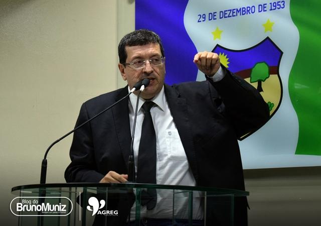 """""""Vai ficar só"""", diz Ernesto Maia sobre Joab do Oscarzão"""