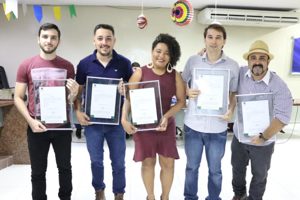 Artistas de Santa Cruz do Capibaribe são homenageados na Câmara de Vereadores