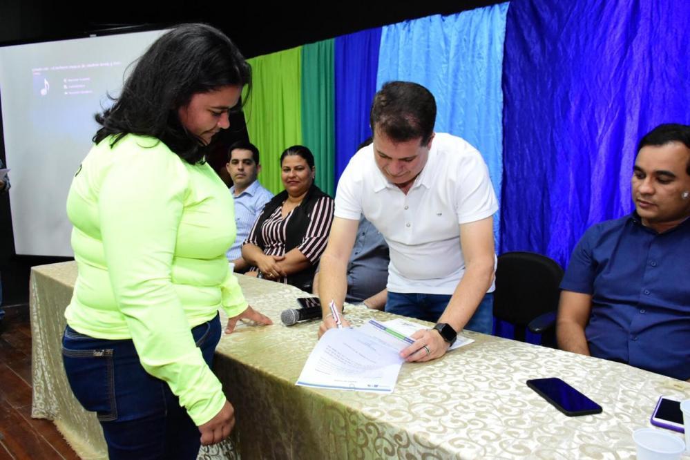 Prefeitura empossa novos agentes de trânsito em Santa Cruz do Capibaribe