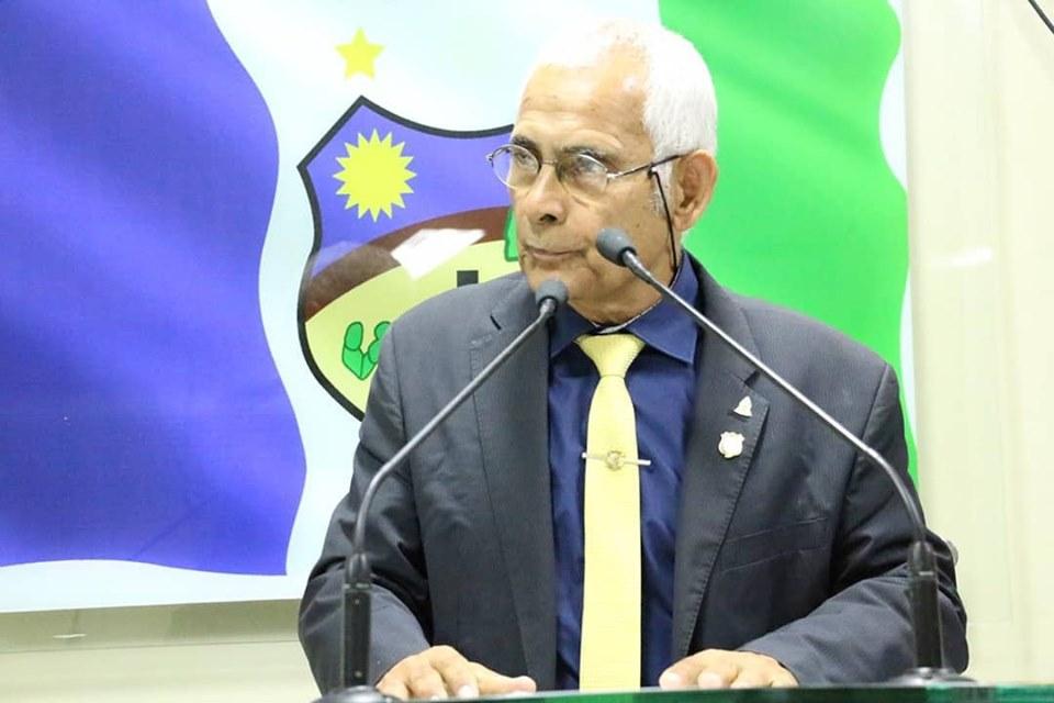 """""""Edson está lutando pelo matadouro"""", defende Zé Minhoca"""