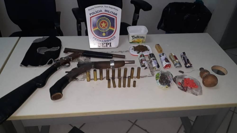 Polícia desvenda ponto de venda de drogas no bairro São José, em Santa Cruz do Capibaribe