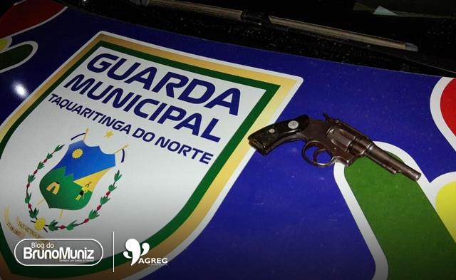 Jovem é detido com arma de fogo em Taquaritinga do Norte