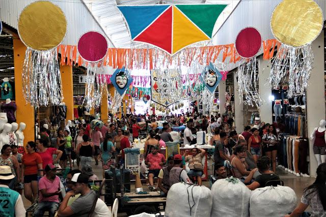 Em clima de Carnaval, penúltima feira do mês janeiro movimenta os negócios no Moda Center