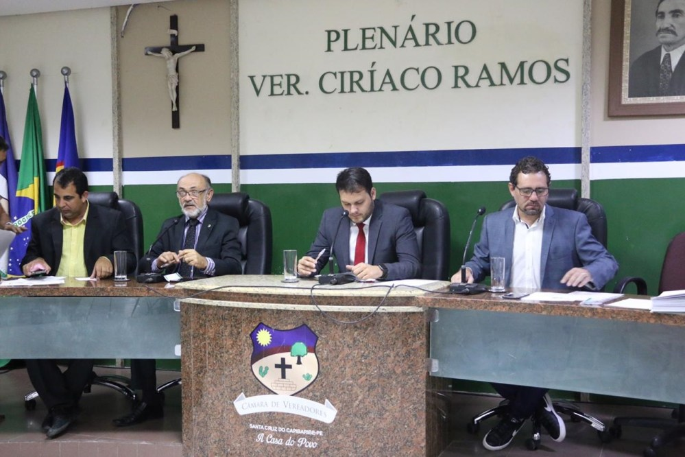 Vereadores realizam 2ª Sessão Plenária e aprovam projetos de lei para o município