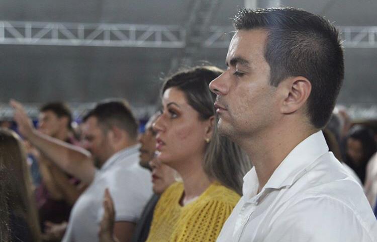 Pré-candidatos a prefeito de Santa Cruz do Capibaribe cumprem agenda em retiros espirituais