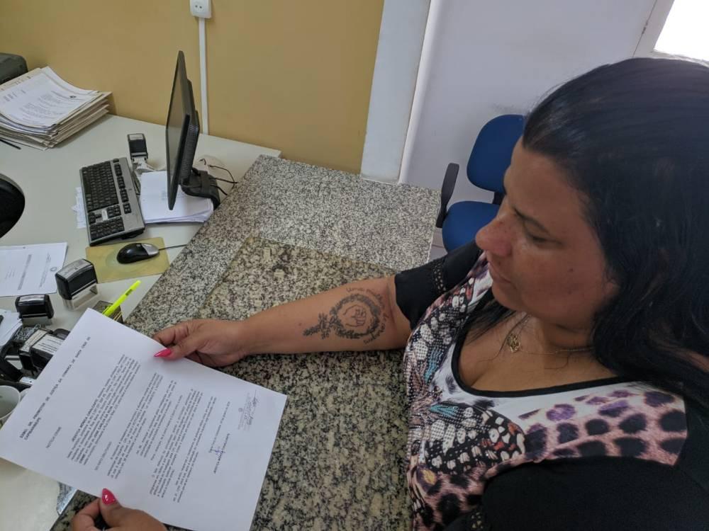 Jéssyca Cavalcanti apresenta denúncia contra o vereador Carlinhos da Cohab por abuso de autoridade