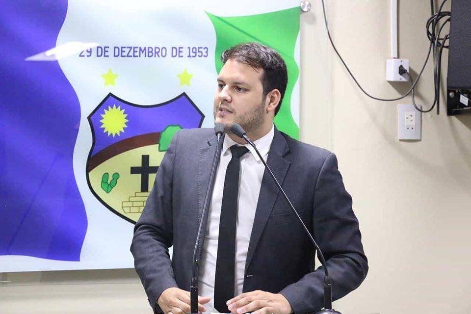 Augusto Maia entra em defesa do nome de Helinho Aragão para disputa de outubro