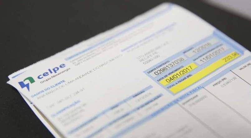 Celpe vai oferecer parcelamento da conta de energia em até 12 vezes no cartão de crédito