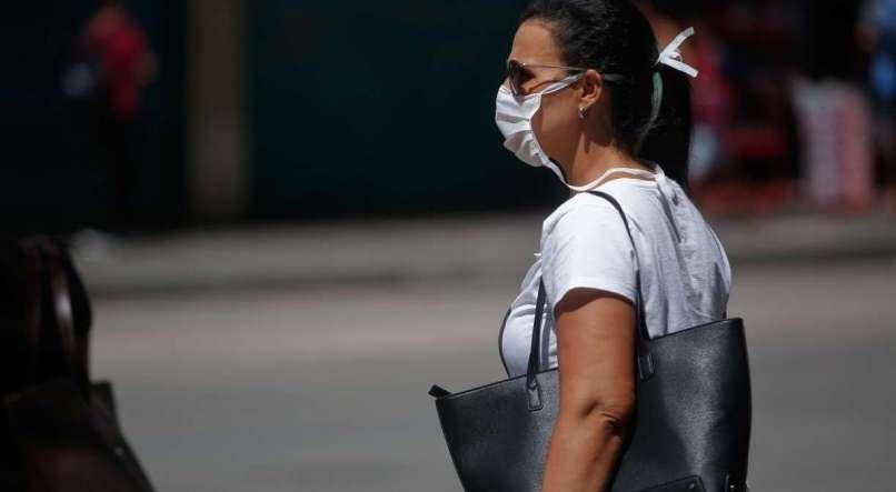 Decreto recomenda à população de Pernambuco que não saia às ruas sem máscara e obriga uso para trabalhadores