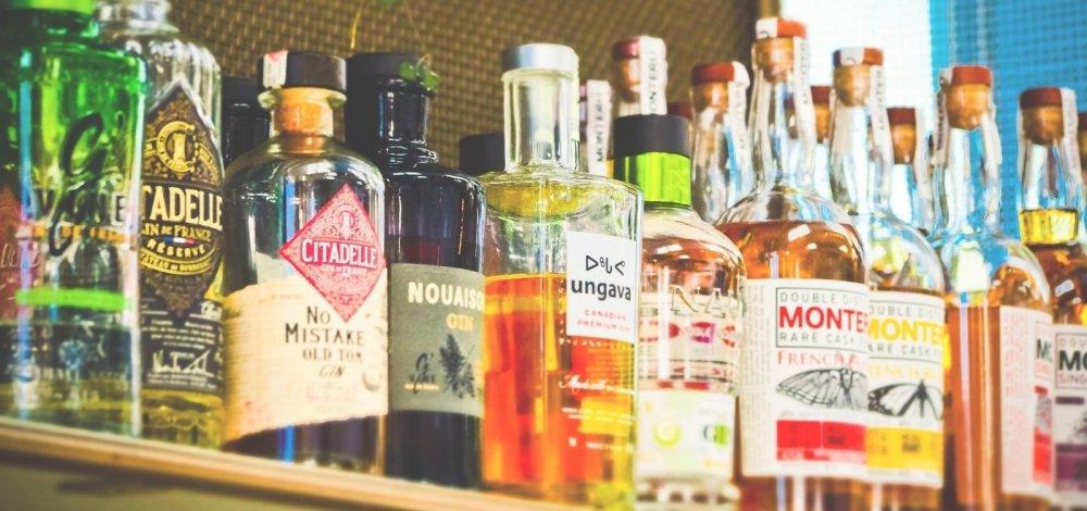 Organização Mundial de Saúde recomenda que governos limitem o acesso à bebidas alcoólicas durante pandemia