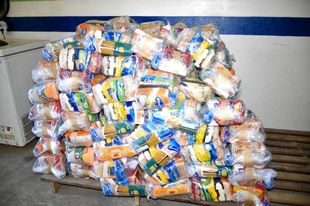 Prefeitura de Santa Cruz do Capibaribe inicia nesta quinta-feira (09) entrega de 12,6 mil 'kits merenda' aos alunos da rede municipal de ensino