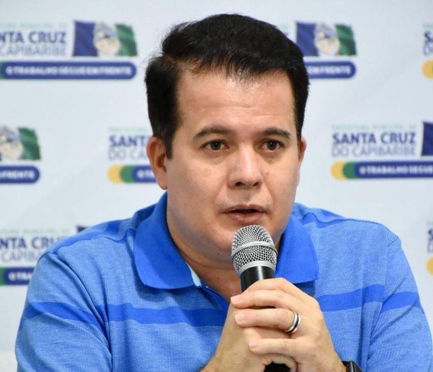 """""""Não foi feito nada fora da legalidade"""", diz Edson Vieira sobre compra de lavatórios"""