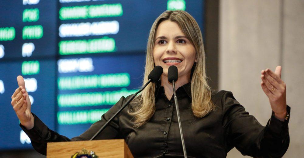 Pernambuco – Deputada Clarissa Tércio compartilha Fake News que recomendava o não uso de máscara