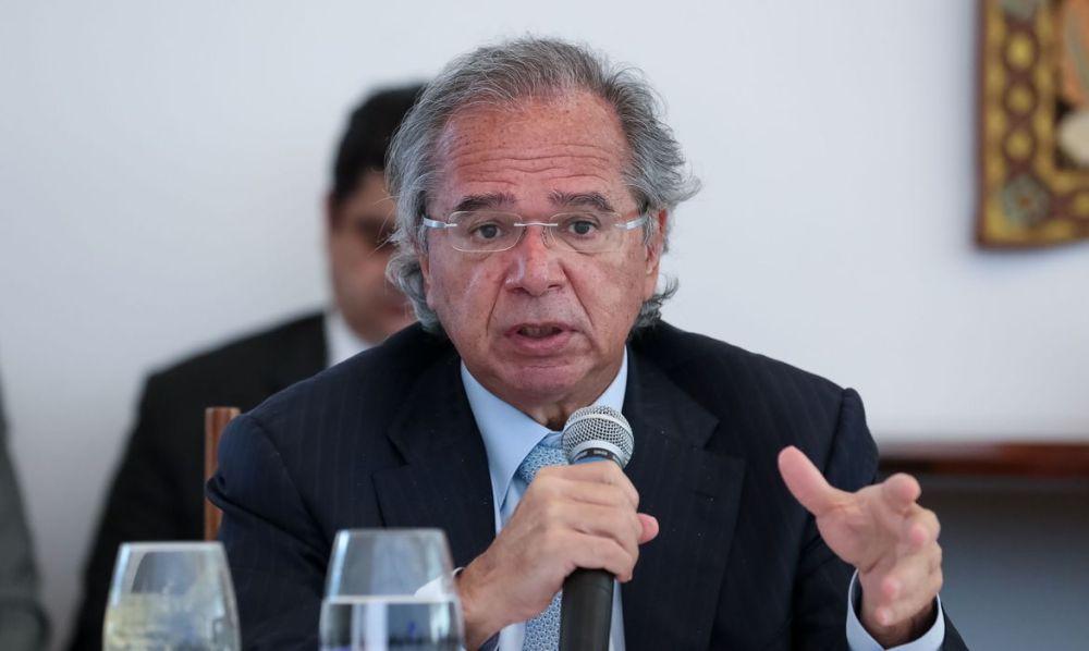 Guedes confirma prorrogação do auxílio emergencial por dois meses,mas de R$ 300