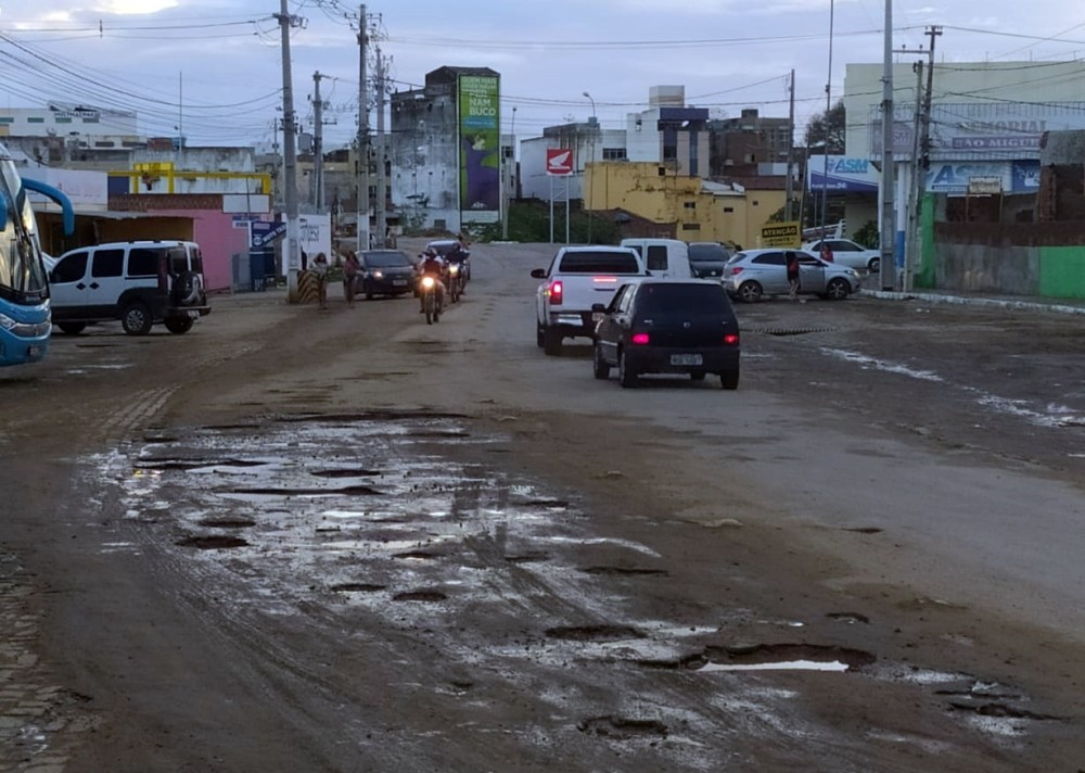 Santa Cruz do Capibaribe – Ponte Velha segue interditada após um ano sem data para início da obra