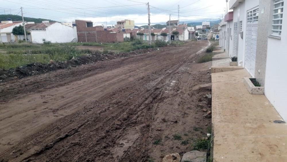 Em Santa Cruz do Capibaribe moradores mandam recado para classe política