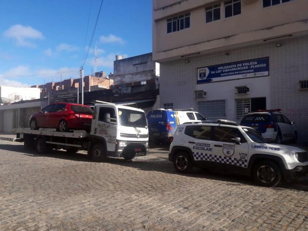 Dois veículos roubados são recuperados pela Guarda Municipal de Taquaritinga do Norte