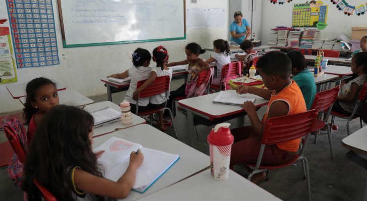 Aulas presenciais em Pernambuco continuam suspensas até 15 de agosto