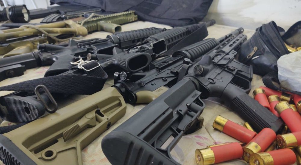 Armas e munições de assaltantes de bancos são apreendidas em Gravatá