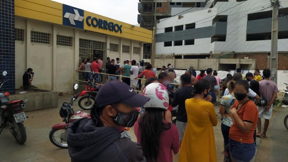 """""""Está mais difícil entregar do que vender"""", diz comerciante e usuária dos Correios em Santa Cruz do Capibaribe"""