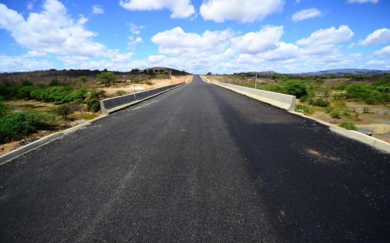 Implantação e pavimentação da PE-460, em Salgueiro, deve ser concluída em outubro