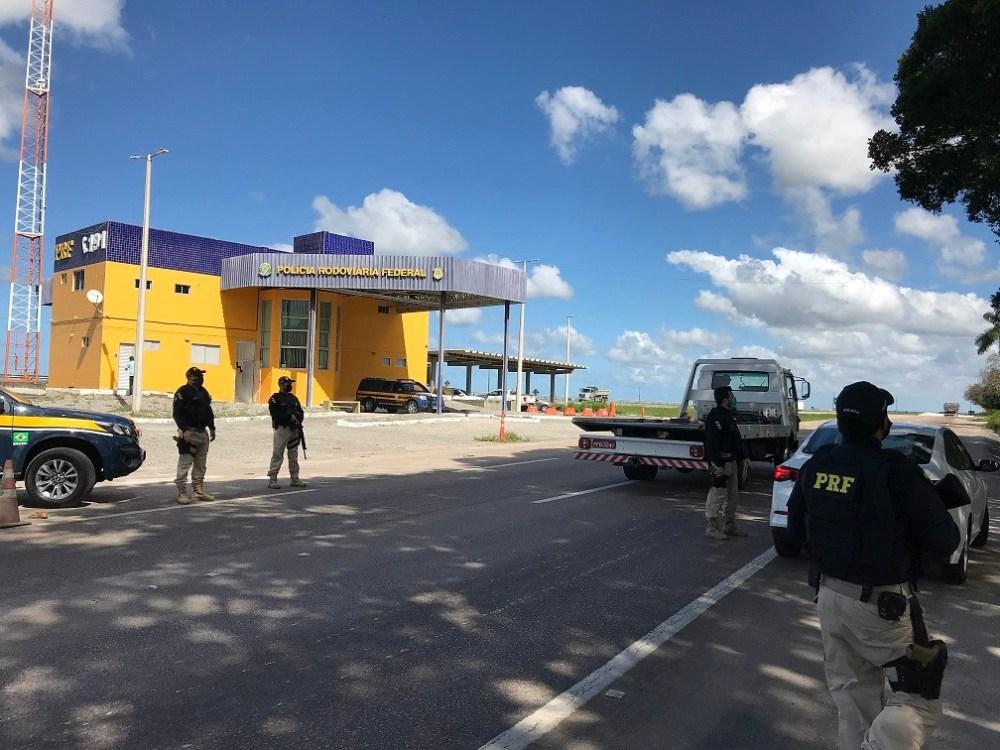 Operação da PRF apreende mais de 20 veículos ilegais e detém 38 pessoas em Pernambuco