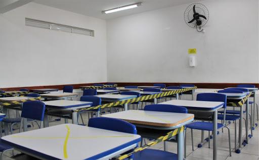 Duas escolas particulares do Recife suspendem aulas após alunos serem diagnosticado com Covid-19