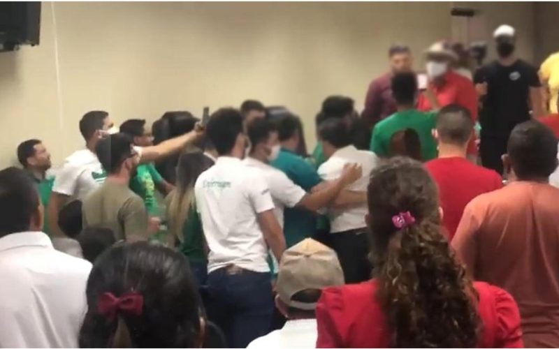 Advogados de Allan Carneiro e Fábio Aragão se desentendem durante debate entre candidatos a prefeito