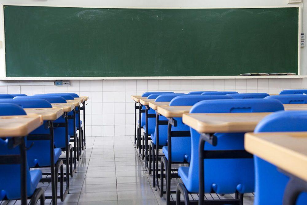 Possibilidade de extensão das aulas até janeiro pode gerar novo impasse entre governo estadual e sindicato