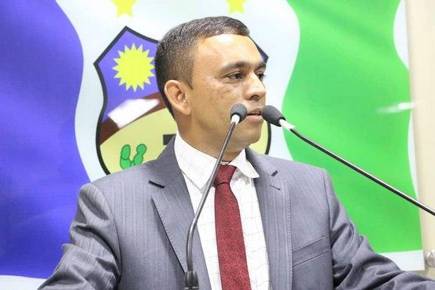 Vereador pede vista do projeto de suplementação de R$ 19 milhões, adiando a votação final