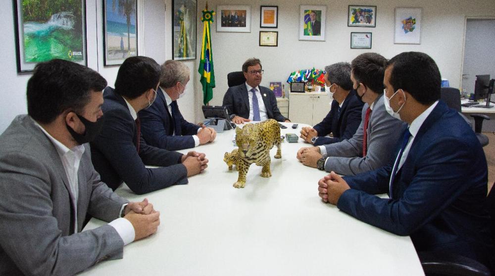 Fábio Aragão participa de reunião com presidente da Embratur em Brasília