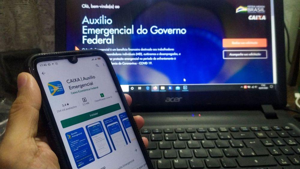 Governo cobra a devolução do auxílio emergencial à 1,2 milhão de pessoas