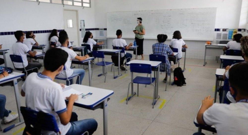 Em 2020, estudantes da rede estadual de PE não serão reprovados